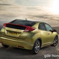 : Honda Civic 5D сзади