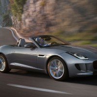 Jaguar F-Type кабриолет: справа сбоку
