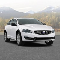 VOLVO V60 Cross Country: спереди справа