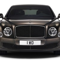 NEW Bentley Mulsanne Speed: спереди